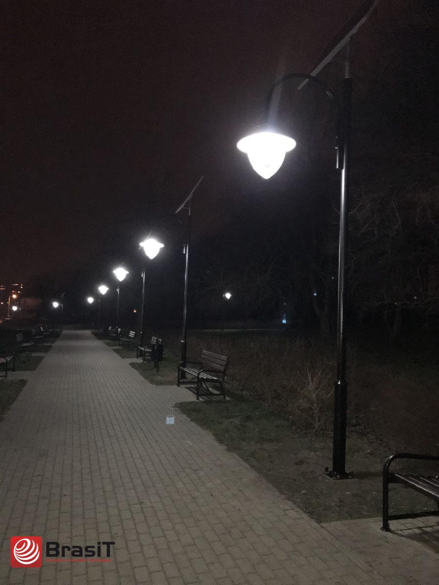 parkowa lampa solarna
