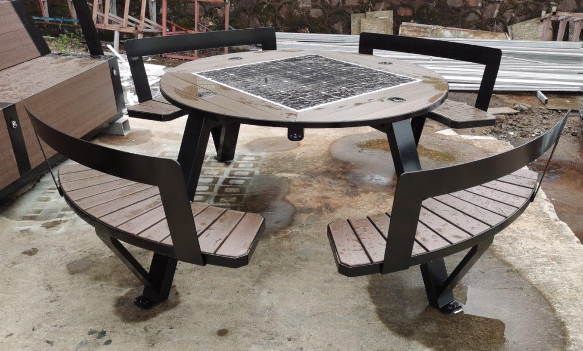 Solarna ławka piknikowa sSEC11